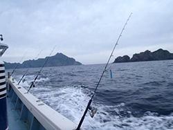 鹿児島から釣り船で3時間