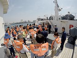 かごしま丸が放送大学と志學館大学の学生を対象とした共同利用乗船実習を実施しました